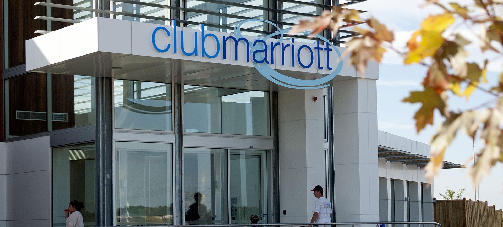 club marriot new pool